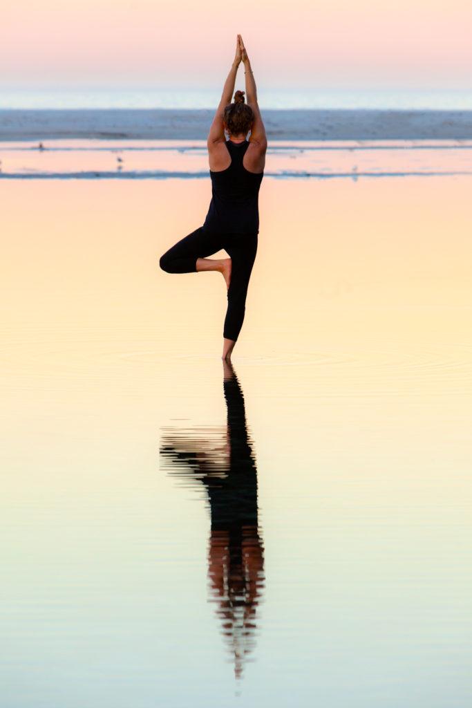 sea-yoga-woman